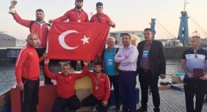 Türkiye Kuşak Güreşi takımı 1. oldu