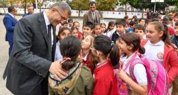 """Başkan Hilmi Türkmen, """"Çocuklarımız bizim gözbebeklerimizdir"""""""