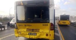 Halıcıoğlu durağında metrobüs kazası