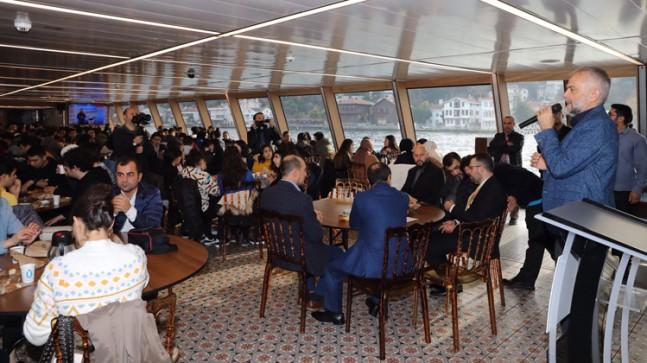 Başkan Poyraz, Çekmeköylü öğrencilerle İstanbul Boğazı'nı gezdi