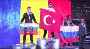 Dünya Şampiyonu olan Adem Çelik, Sancaktepe Belediyesi'nin gururu oldu