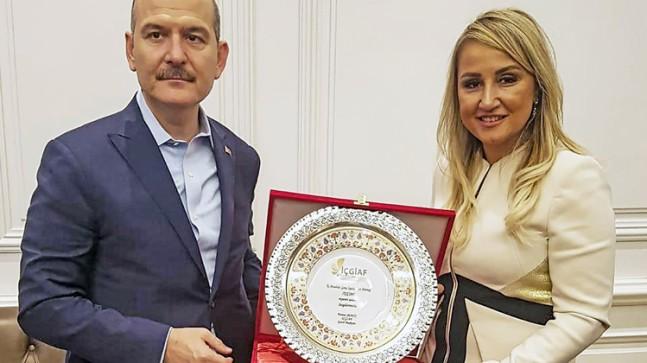 İç Anadolu Genç İşadamları, İçişleri Bakanı Süleyman Soylu'yu ziyaret etti