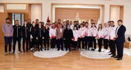 Sancaktepe Belediyesi'nin gururu olan madalyalı gençleri