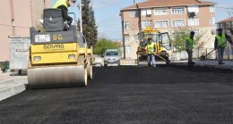Pendik Belediyesi, sezonun son asfaltını öğrenciler için serdi