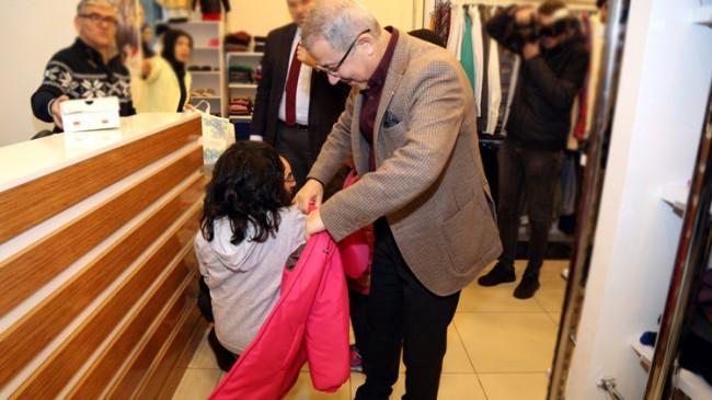 Başkan Köken'den çocuklara şefkat eli