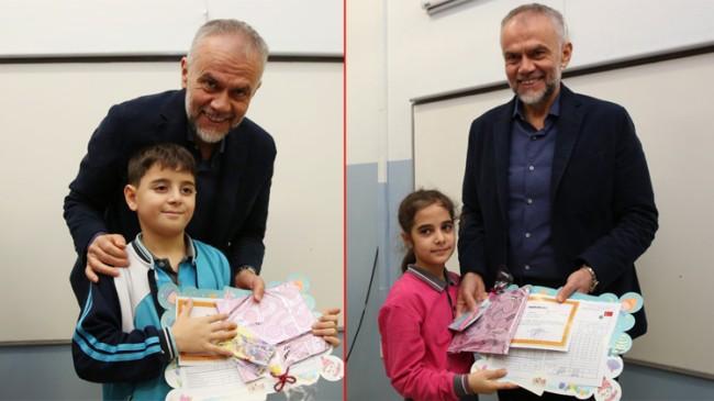 Başkan Poyraz, Çekmeköylü öğrencilerin karne heyecanına ortak oldu