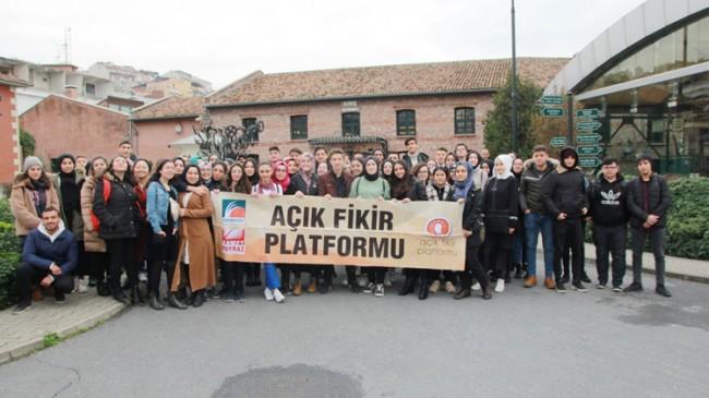 Çekmeköylü gençler, Açık Fikir Platformu'nun misafiri oldu