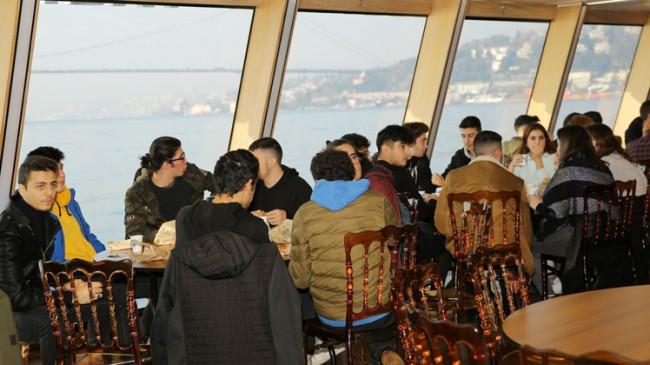 Çekmeköylü öğrencilerin Seyr-i İstanbul Boğaz Gezileri sürüyor