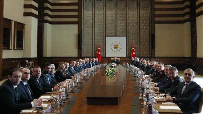 Erdoğan, futbolun öncülerini ağırladı