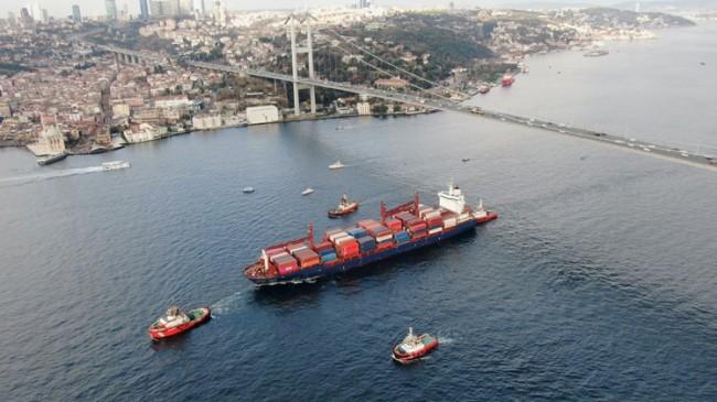 İstanbul Boğazı'ndan geçen gemi sayısı!