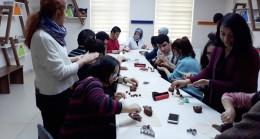 Kağıthane Belediyesi ücretsiz kurslarla engelli vatandaşların becerilerini geliştiriyor