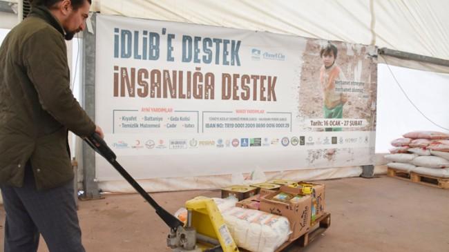 """Pendik'teki """"İdlib'e Destek İnsanlığa Destek"""" yardım kampanyasına yoğun destek"""