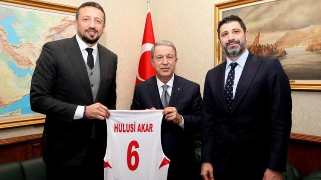 TBF Başkanı Türkoğlu, Bakan Akar'ı ziyaret etti
