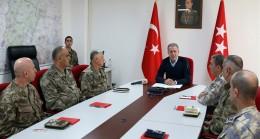 """Bakan Akar, """"200 hedef, 309 Esed askerini etkisiz hale getirdik"""""""
