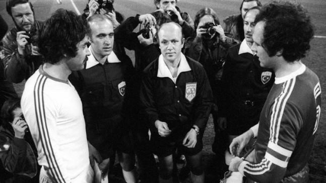 Futbol hakemi Hilmi Ok vefat etti