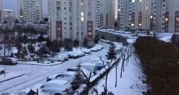 İstanbullular karla uyandı