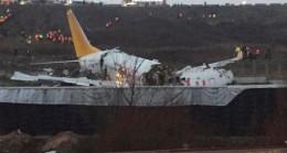 Sabiha Gökçen Havalimanı'nda pistten çıkan uçak parçalandı