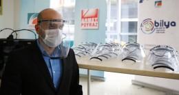 Çekmeköy Belediyesi, sağlık çalışanları için siperli maske üretimine başladı