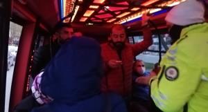 Minibüs şoförleri de yolcular da laftan anlamıyor!