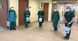 Çekmeköy Belediyesi'nden hemşirelere ve sağlık çalışanlarına hediyeli moral