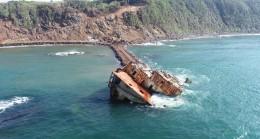 Şile'deki gemi parçalanarak alınıyor