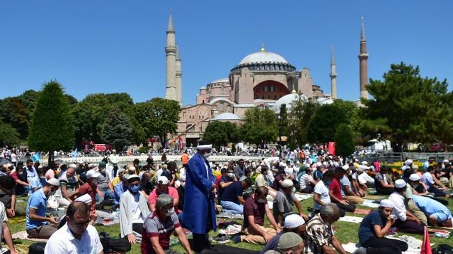 Ayasofya Camii özgürlüğüne kavuştu