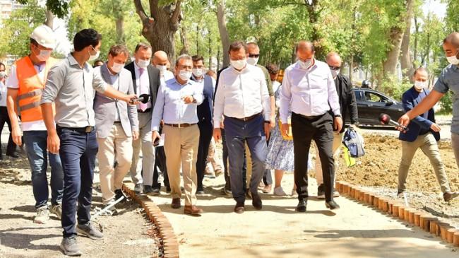 İBB Başkanı İmamoğlu Beylikdüzü'nde proje alanlarını inceledi