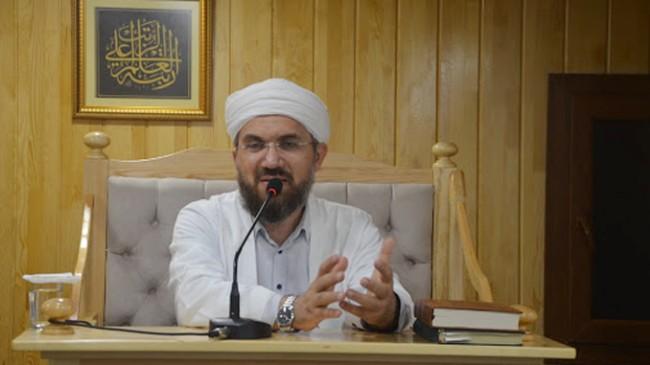 """İhsan Şenocak, """"Hazreti Aişe validemiz çocuk değil, evlilik çağındaydı"""""""