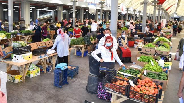 """Kadıköy Salı Pazarı'nda """"Üretici Kooperatifi Pazarı"""" açıldı"""