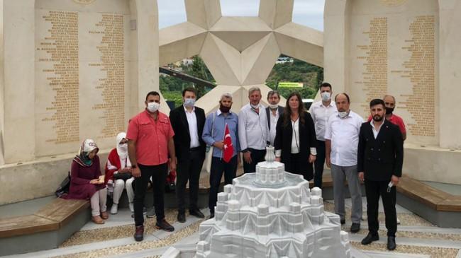 Vatan Yıldızları Vakfı İstanbul Başkanlığı, 15 Temmuz Şehitler Anıtını ziyaret etti