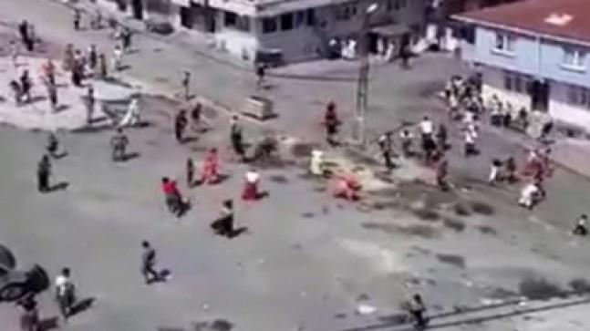 Esenler'de savaş gibi sokak kavgası