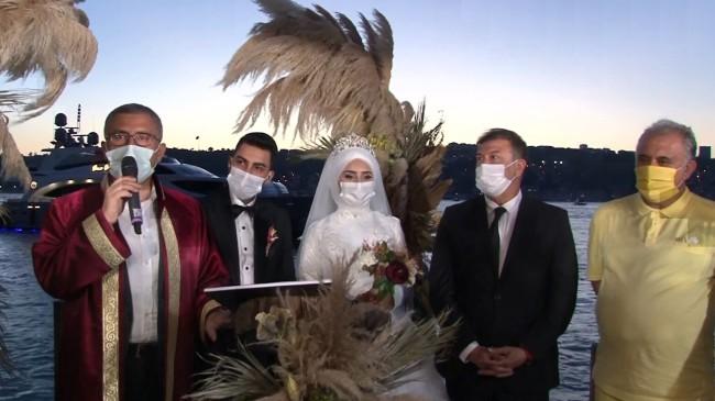 Başkan Türkmen, sağlık çalışanı çiftlerin nikahını kıydı