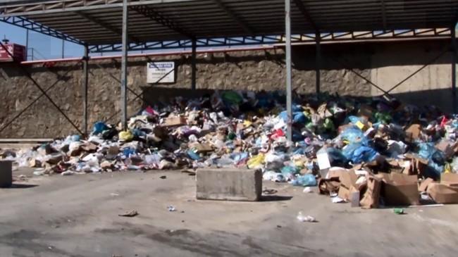 Pendik Belediyesi, Sabiha Gökçen Havalimanı'nın sıfır atıklarını topluyor