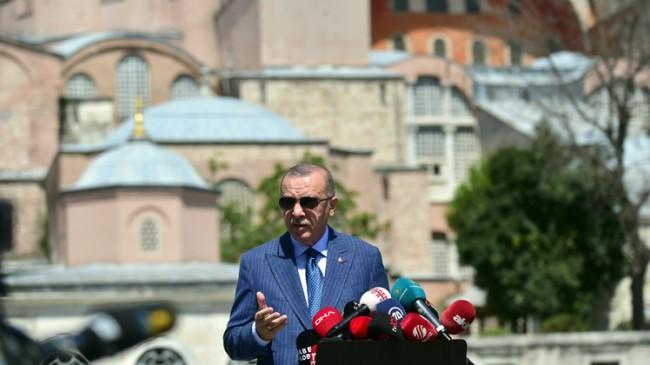 """Erdoğan, """"Türkiye adeta bir uçuşun içerisinde ama gözü olup görmeyenler hala bu gerçekleri yanlış yansıtmaya çalışıyorlar"""""""