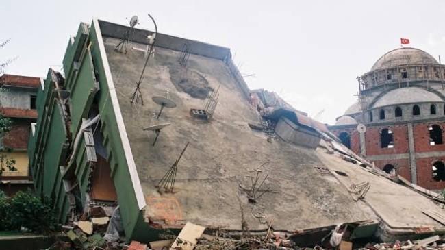 Depremin üzerinden 21 yıl geçti
