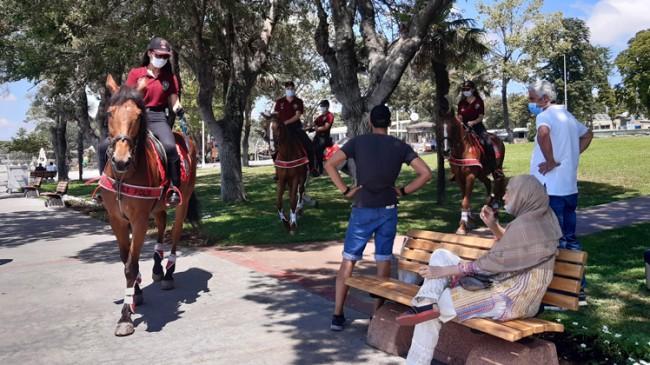 İstanbul'da atlı polisler görevde