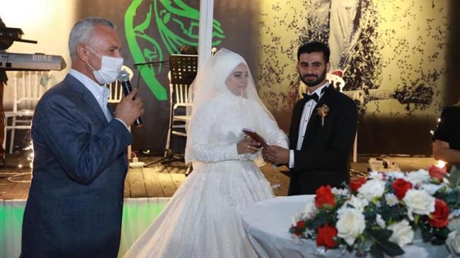 Mustafa Ataş, Yuşa Koçoğlu ile Sibel San'ın nikah şahitliğini yaptı