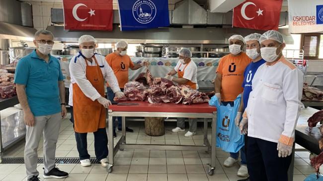 Üsküdar Belediyesi 25 ton eti Üsküdarlı ihtiyaç sahibi aileleri dağıttı
