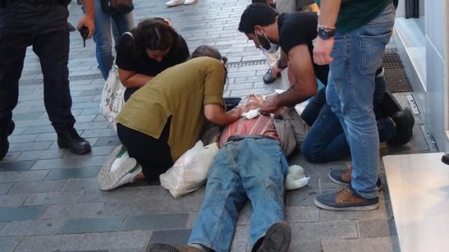 Vatandaşlar, İstiklal Caddesinde düşen yaşlı adam için seferber oldu