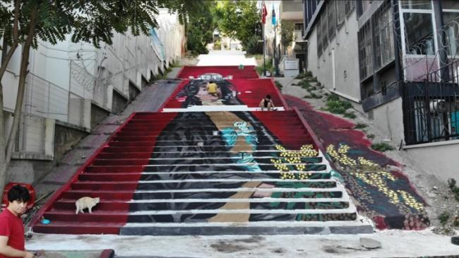 Beyoğlu'nun merdivenleri sanatla buluşuyor