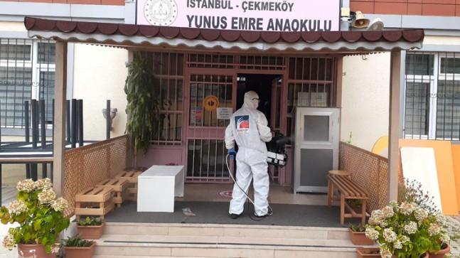 Çekmeköy Belediyesi'nden eğitime hazırlık için okullara dezenfeksiyon