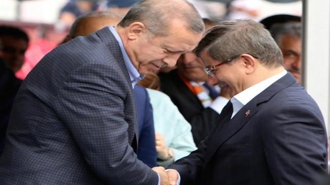 Davutoğlu, Cumhurbaşkanı Erdoğan'ı televizyonda tartışmaya davet etti
