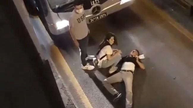 Kimlik soran bekçilerden kaçan şahıs metrobüs yoluna atladı