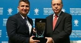 AK Parti'li belediye başkanına ihraç