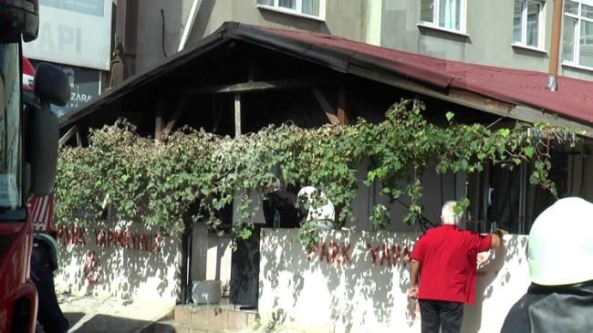 Ataşehir'de iki çocuk yangından kurtarıldı