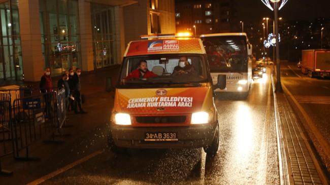Çekmeköy Belediyesi, deprem bölgesinde yaraları sarmaya gitti