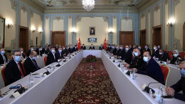 Sağlık Bakanı Koca, İstanbul'un yerel yöneticileriyle önemli bir toplantı yaptı