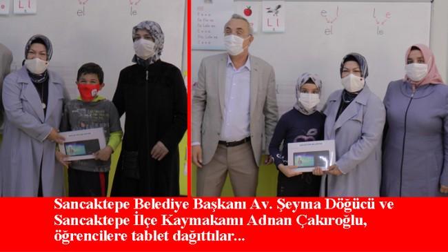 Sancaktepe'de ihtiyaç sahibi öğrencilere tablet dağıtıldı