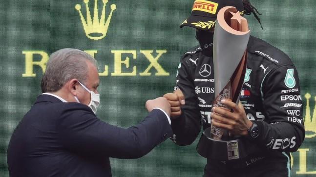TBMM Başkanı Şentop: Hamilton'a 'Pist çok iyiymiş değil mi şampiyon'