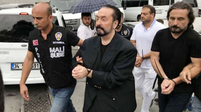 Adnan Oktar'a bin 365 yıl hapis cezası